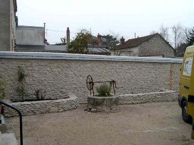 mur en beton pour jardin dikke houten balken. Black Bedroom Furniture Sets. Home Design Ideas
